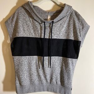 Lorna Jane hooded pullover